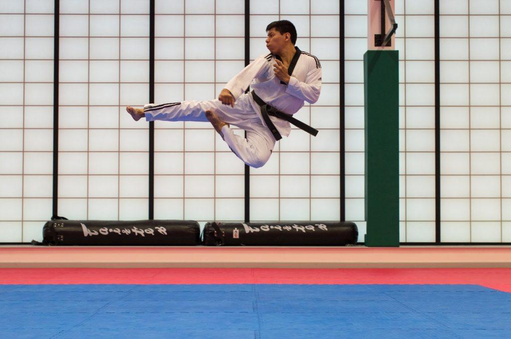 karate kick - flying side kick