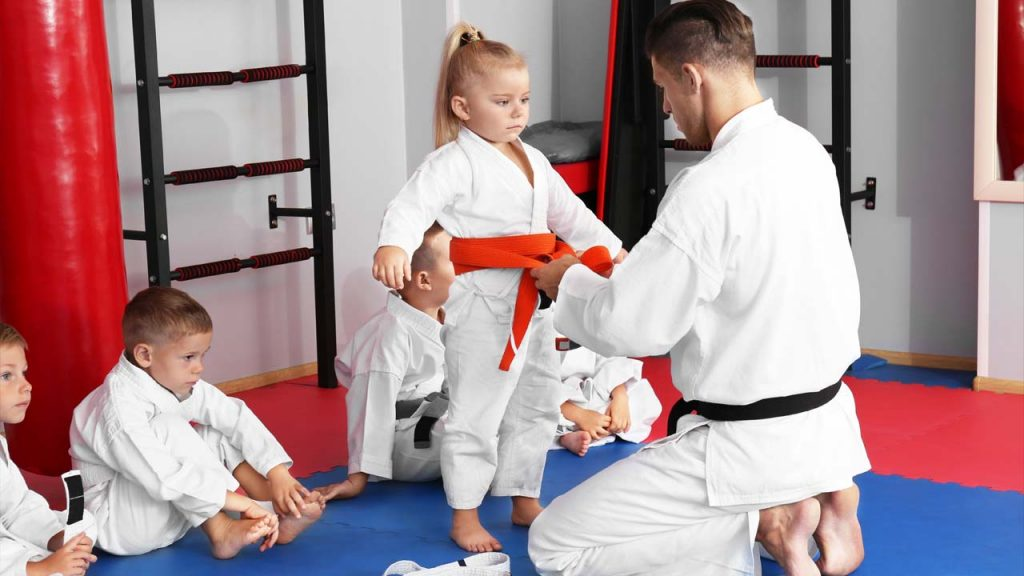 How to Tie a Karate Belt on a Child