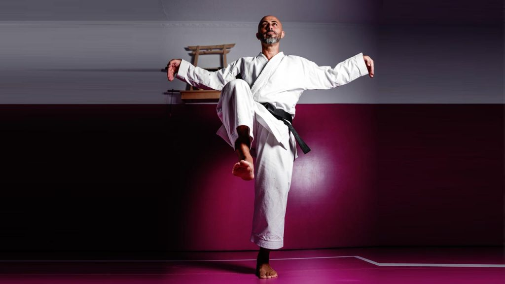 Karate Techniques - The Crane Kick - karate kid crane kick