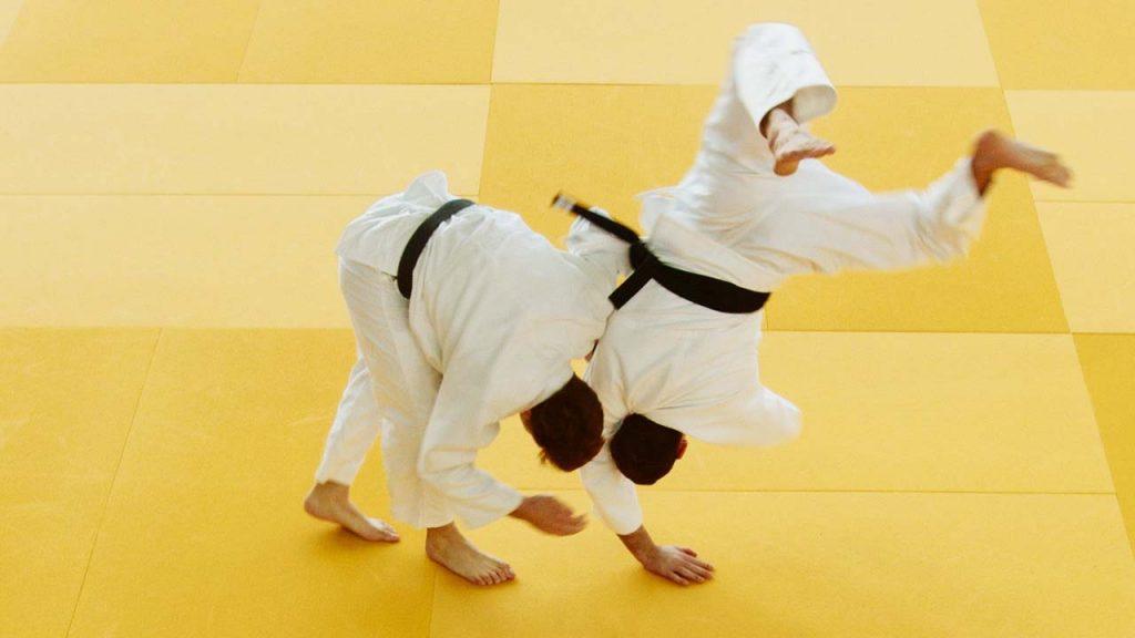 karate throws - Ippon Seoi Nage: One Arm Shoulder Throw