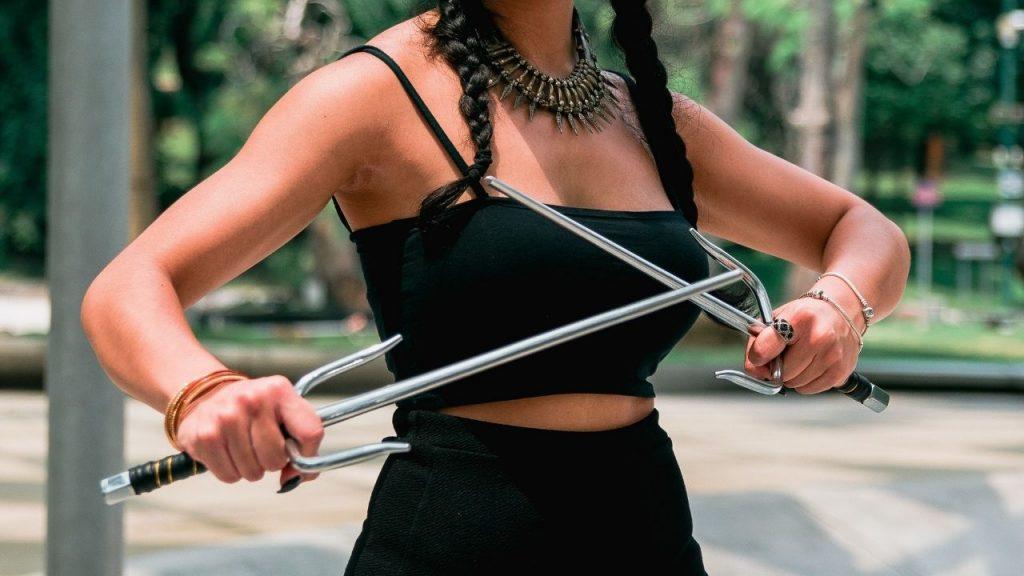 what is a sai   karate weapon   sai